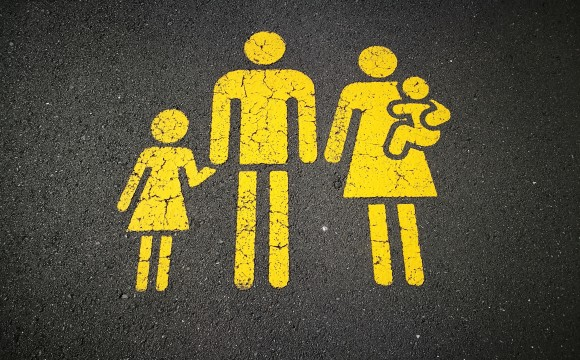 yellow stick figures of family